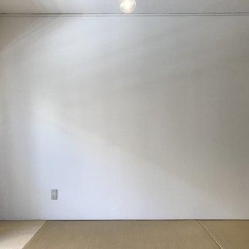 お部屋は明るめです