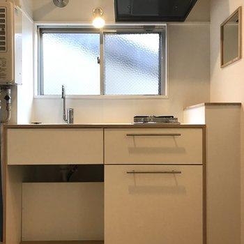 キッチンもコンパクトながら、2口サイズ!