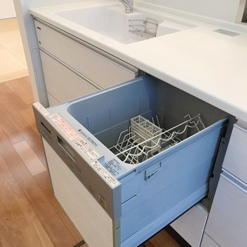 食洗機も付いているのでお片付けもラクラク!