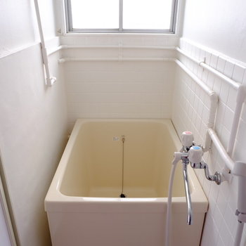 お風呂はとってもレトロ