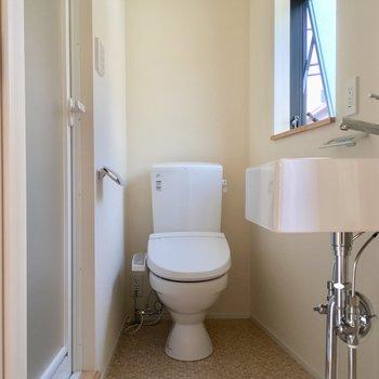 サニタリーへ、トイレもこちらに