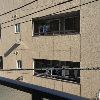 眺望は建物が見えますね※写真は4階からの眺めです。