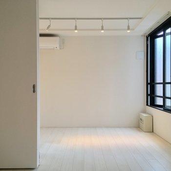 真っ白な空間!
