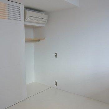 洋室とクローゼットの扉は連動※写真は別部屋です