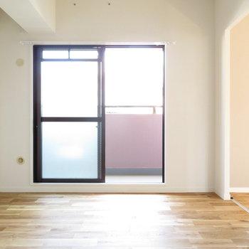 個室も大きな窓があり明るいです◎