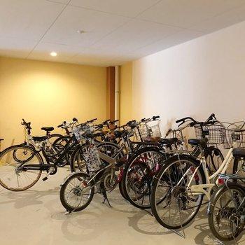こちらは無料の1階駐輪場。各フロアにも有料駐輪場あります◎