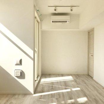 真っ白で、どんな家具も似合いそう