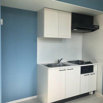 キッチンは真っ白!