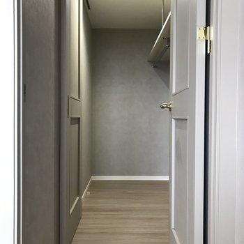 ここはウォークインクローゼット!※写真は7階の同間取り別部屋です。
