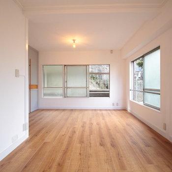 見た目は無垢っぽい床ですが、質感まで表現されたフロアタイルです。※写真は前回募集時のものです。