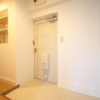 玄関はこちら、ゆったりしたスペースに※写真は前回募集時のものです。