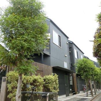 緑に囲まれた集合住宅※写真は前回募集時のものです