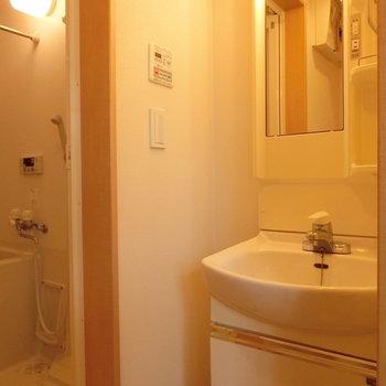使いやすそうな独立洗面台※写真は前回募集時のものです