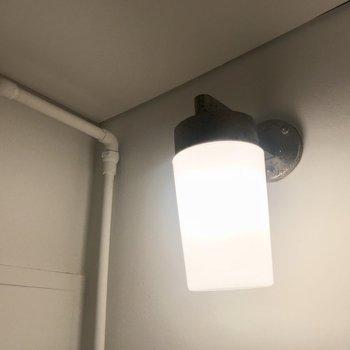 ライトがレトロで可愛いんだ!