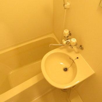 独立洗面台はありませんね。