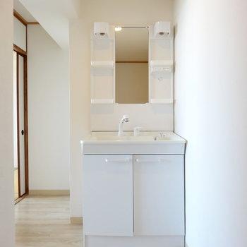 独立洗面台は2階の廊下に!