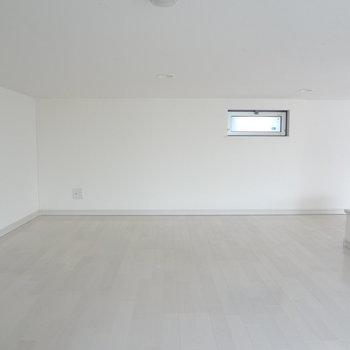 じゅうたんを敷いてくつろぎスペースにしたいな。
