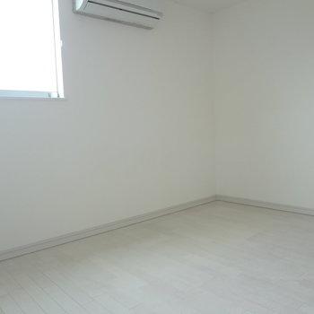 こちらは一階の洋室です。