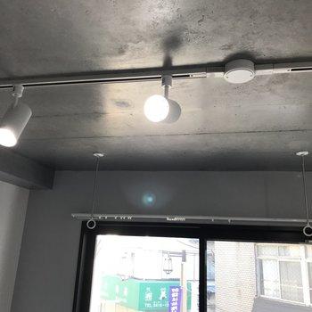 ライトもいい感じですね〜