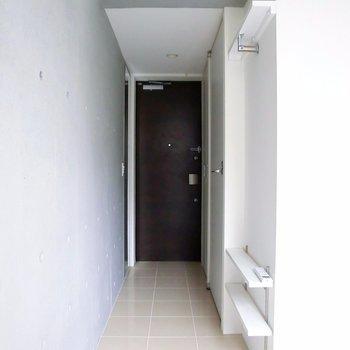 廊下部分。 ※別階反転間取り別部屋の写真です