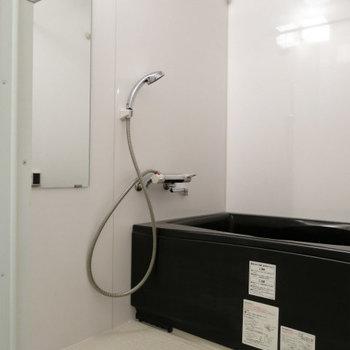 キレイなお風呂!ちょい広い。※写真は8階の同間取り別部屋のものです