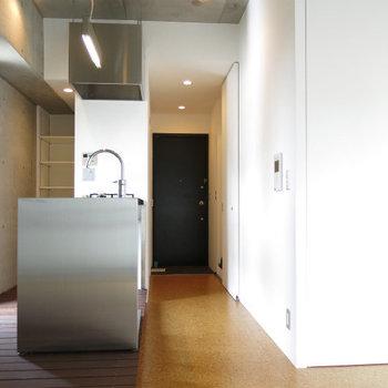 いい表情ですよこのお部屋。※写真は8階の同間取り別部屋のものです