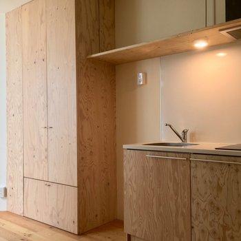 床もキッチンも建具もぜーんぶ無垢の木。※写真は前回募集時のものです。