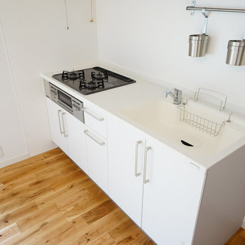 キッチンは3口ガスコンロ※写真はイメージです