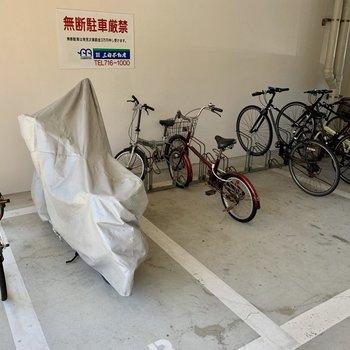 駐輪場も屋根の下にあるので安心です!