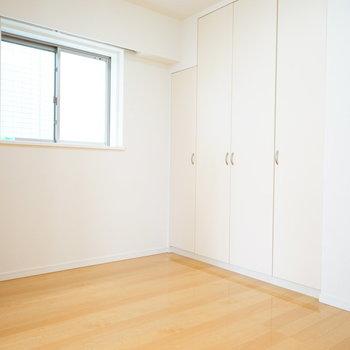 4.5帖の寝室です!※写真は別室
