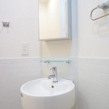 洗面台も可愛いデザイン♪※写真は別室