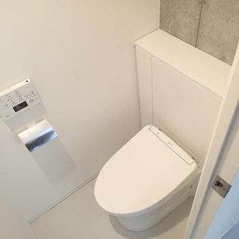 トイレはシンプル。しっかり個室なのが嬉しい。