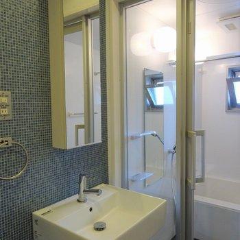シャープに決めた洗面台※写真は別室です。