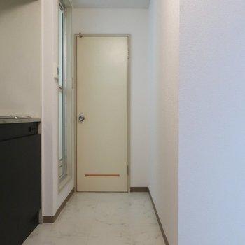 トイレ横の壁にはかわいいポストーカードを飾ってみたい♪