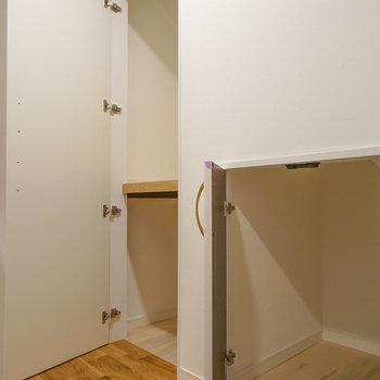 1階廊下にも収納あります!