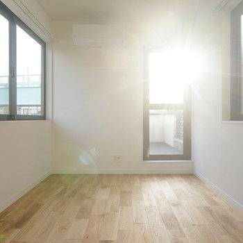 3階の5帖洋室も明るい!