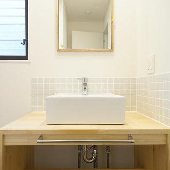 洗面台もナチュラルデザイン♪
