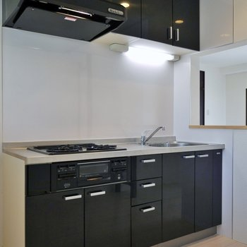 独立型のキッチンスペース※写真は前回募集時のもの。