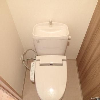トイレはしっかり個室です。