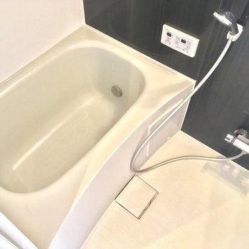 そしてゆとりのバスルーム※写真はクリーニング前です