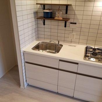 キッチンは2口ガス、うれしいですね。※写真はモデルルーム