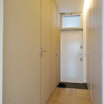 廊下に水周り※写真は同じ間取りの別室(301)