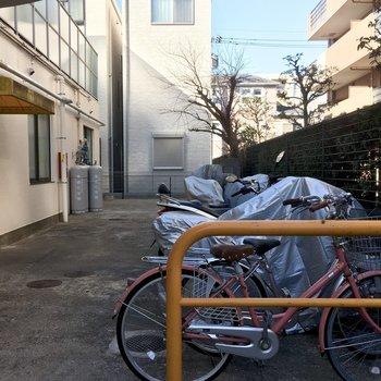 広い駐輪場がありました!