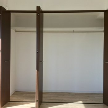 6帖の洋室も、大容量のクローゼットがあります!