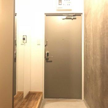 玄関周りもかっこよく!