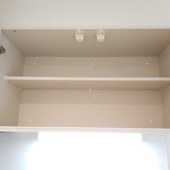 上にも収納が ※写真は1Kの似た間取り(2階)のお部屋です。