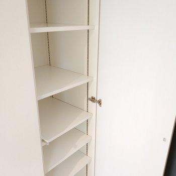 シュークローゼットもたっぷりと ※写真は1Kの似た間取り(2階)のお部屋です。