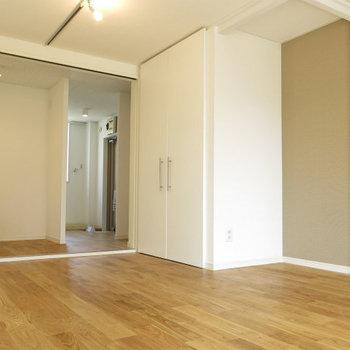 無垢の床が気持ちがいい。※写真は前回施工のお部屋