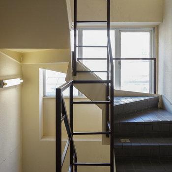 階段もオシャレな感じ♪