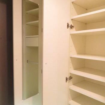 シューズBOXもかなり大きいですね、鏡付きが嬉しい(※写真は5階の同間取り別部屋のものです)